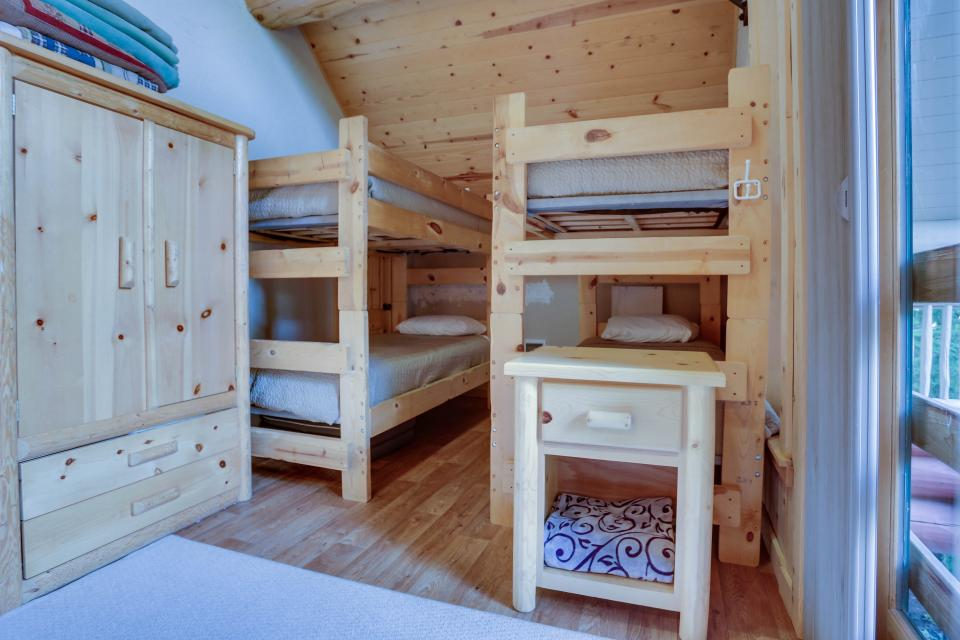 Little Bear Cabin - Government Camp Vacation Rental - Photo 12