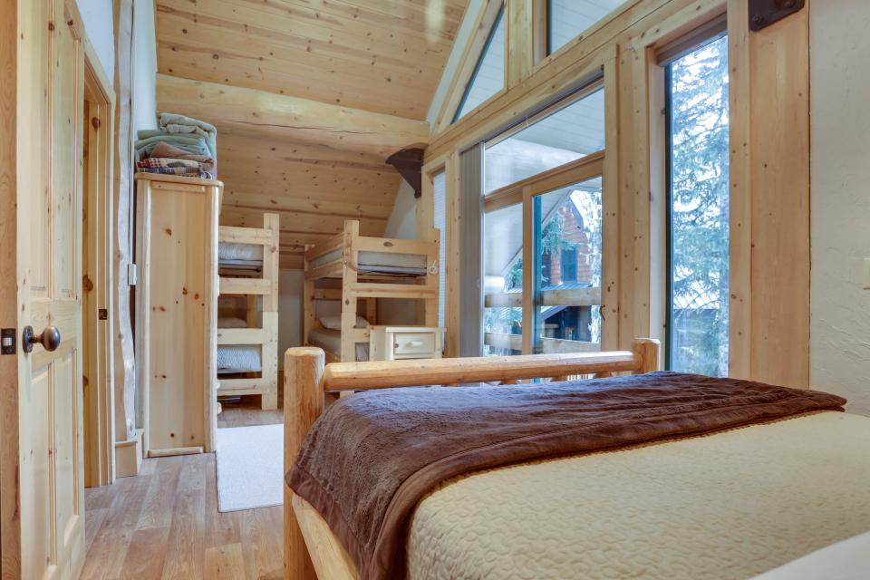 Little Bear Cabin - Government Camp Vacation Rental - Photo 13