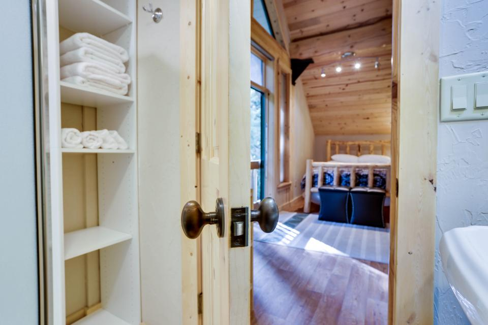 Little Bear Cabin - Government Camp Vacation Rental - Photo 18