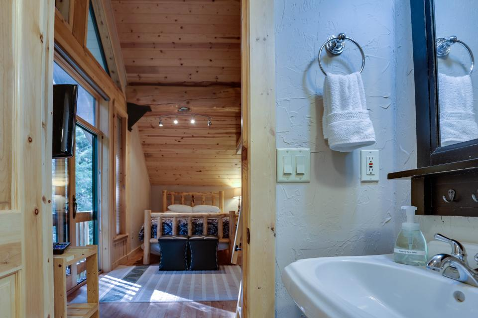 Little Bear Cabin - Government Camp Vacation Rental - Photo 19