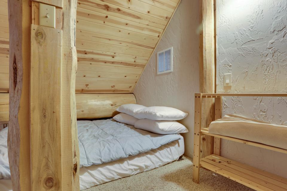 Little Bear Cabin - Government Camp Vacation Rental - Photo 20