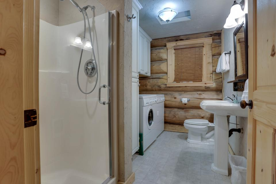 Big Bear Cabin and Little Bear Cabin - Government Camp Vacation Rental - Photo 15