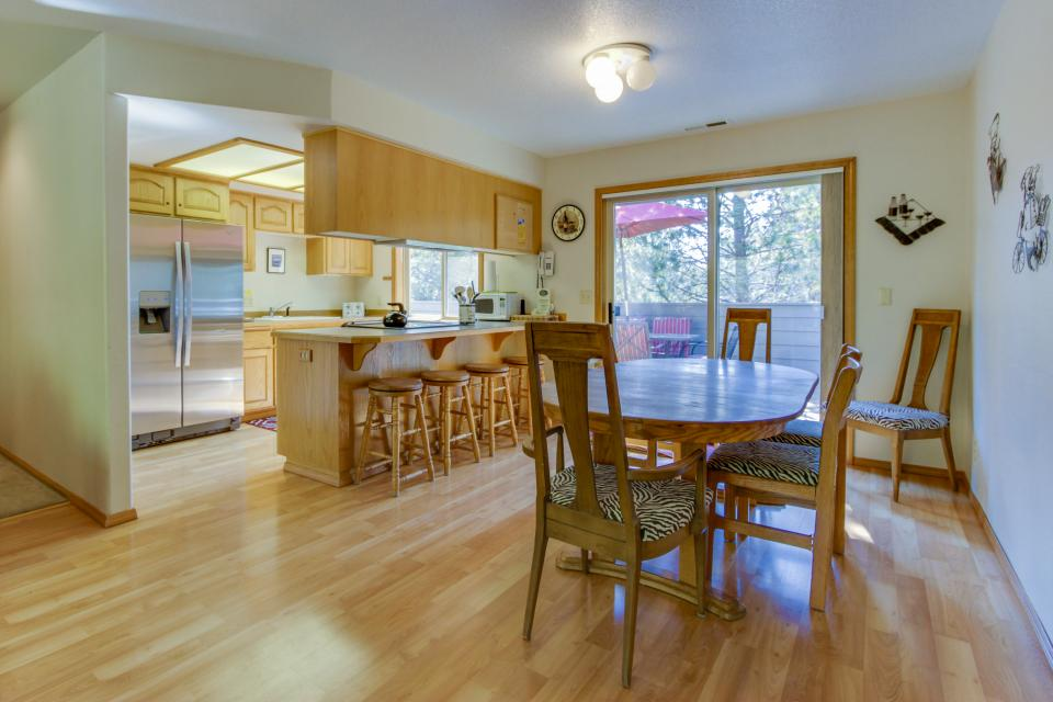 6 Approach Lane - Sunriver Vacation Rental - Photo 2