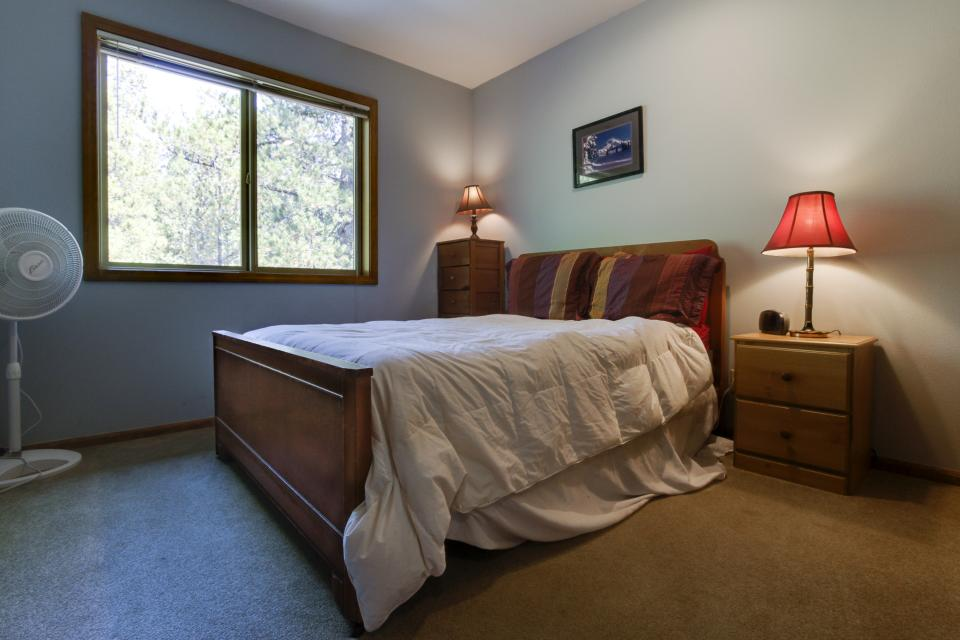6 Approach Lane - Sunriver Vacation Rental - Photo 3
