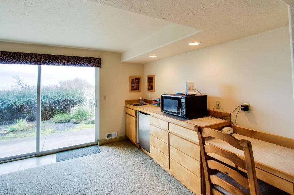 Oregon Coast Retreat - South Beach Vacation Rental - Photo 23