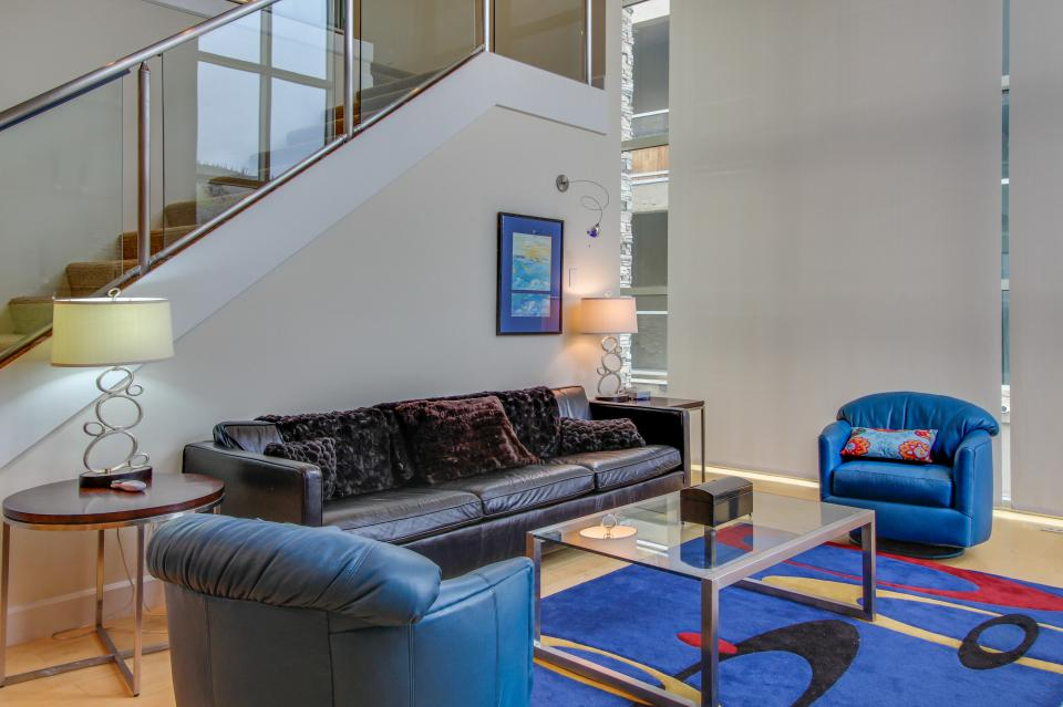 Contemporary Lofts contemporary living at the lofts w/ hot tub! | 2 bd vacation