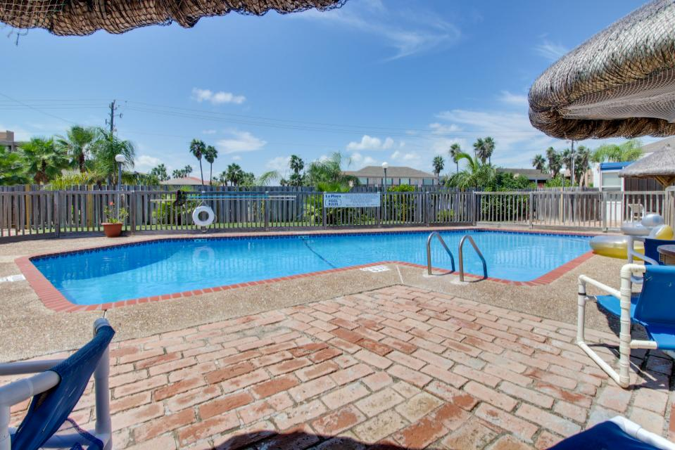 La playa condominiums el corazon 203 3 bd vacation for Cabin rentals south padre island tx