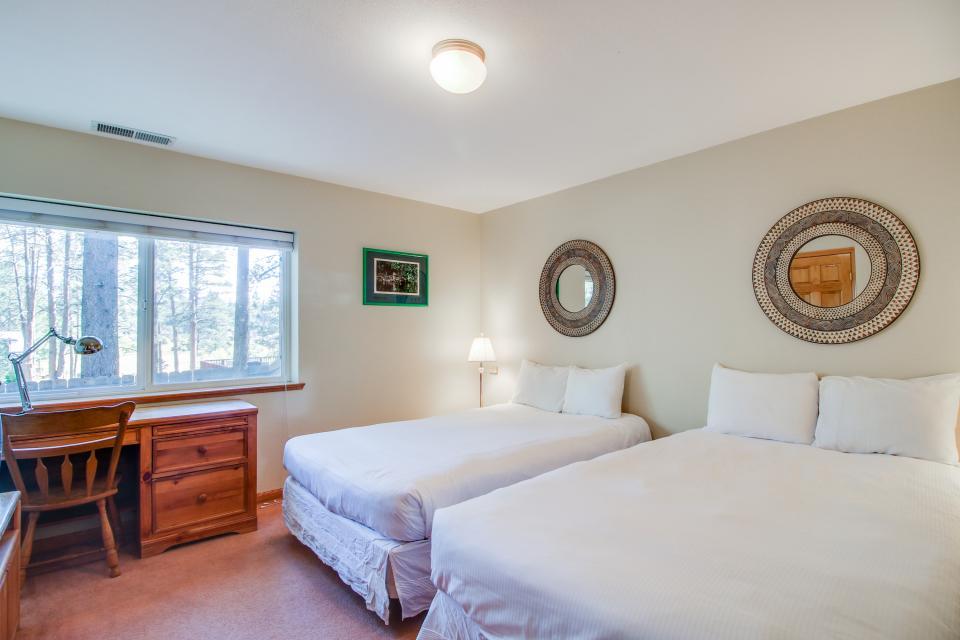 Trout Creek Retreat - South Lake Tahoe Vacation Rental - Photo 21