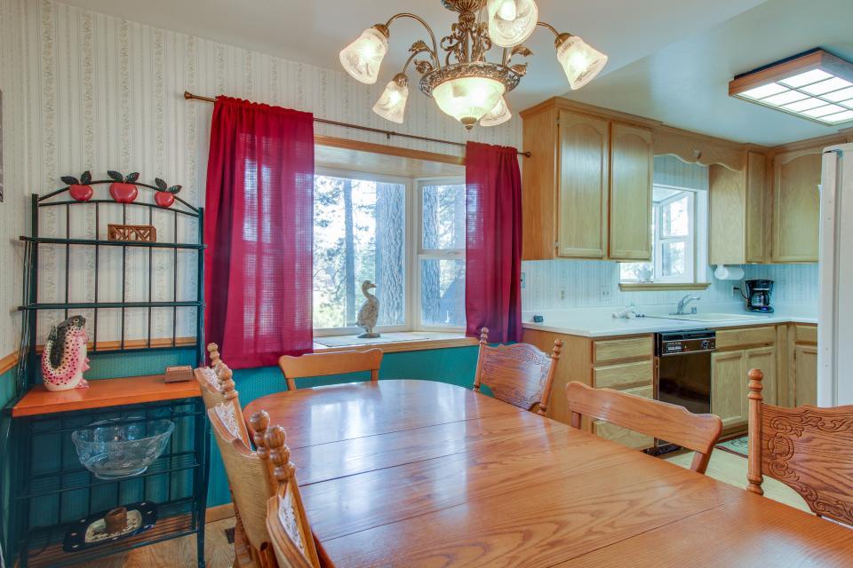 Trout Creek Retreat - South Lake Tahoe Vacation Rental - Photo 10