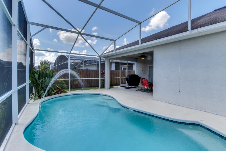 Sunshine's Happy Pool Home  - Davenport Vacation Rental - Photo 6