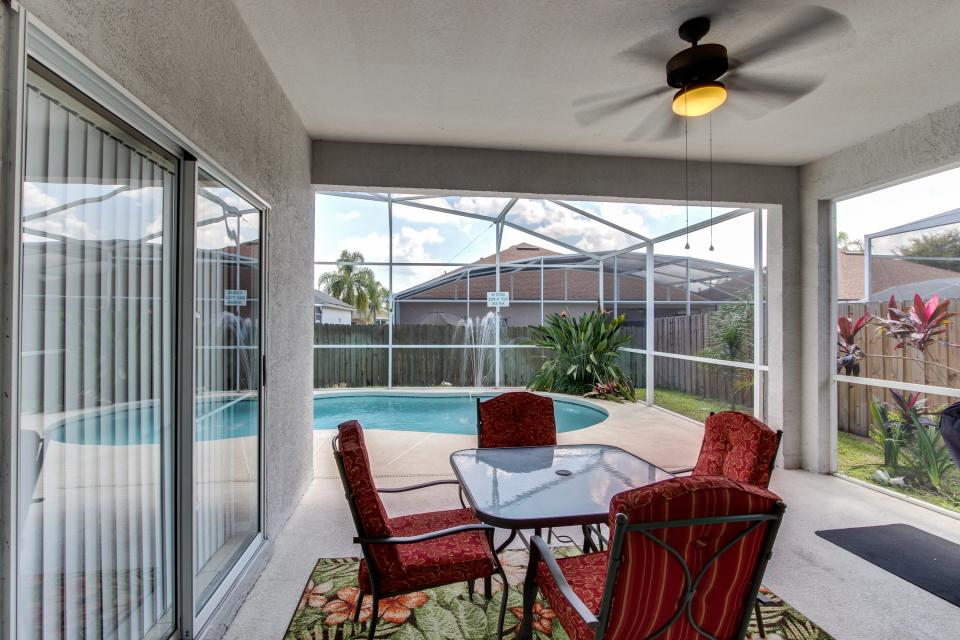 Sunshine's Happy Pool Home  - Davenport - Take a Virtual Tour