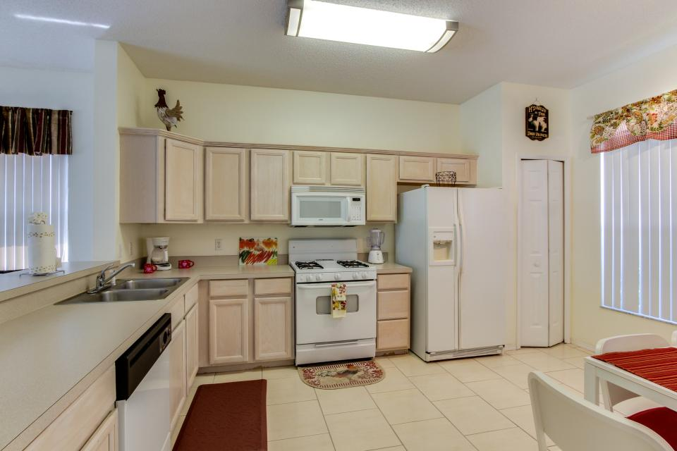 Sunshine's Happy Pool Home  - Davenport Vacation Rental - Photo 10