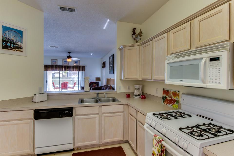 Sunshine's Happy Pool Home  - Davenport Vacation Rental - Photo 12