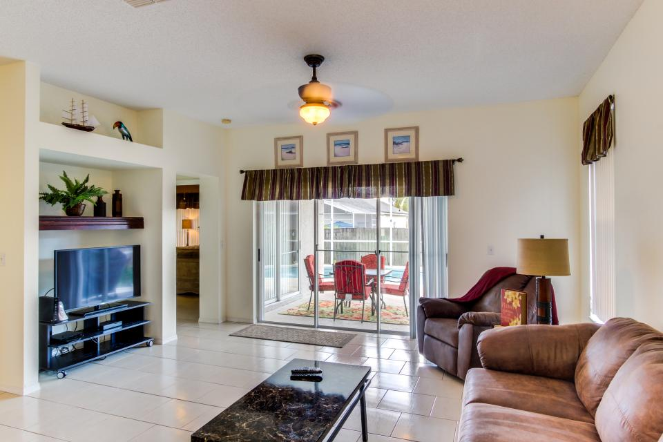Sunshine's Happy Pool Home  - Davenport Vacation Rental - Photo 11