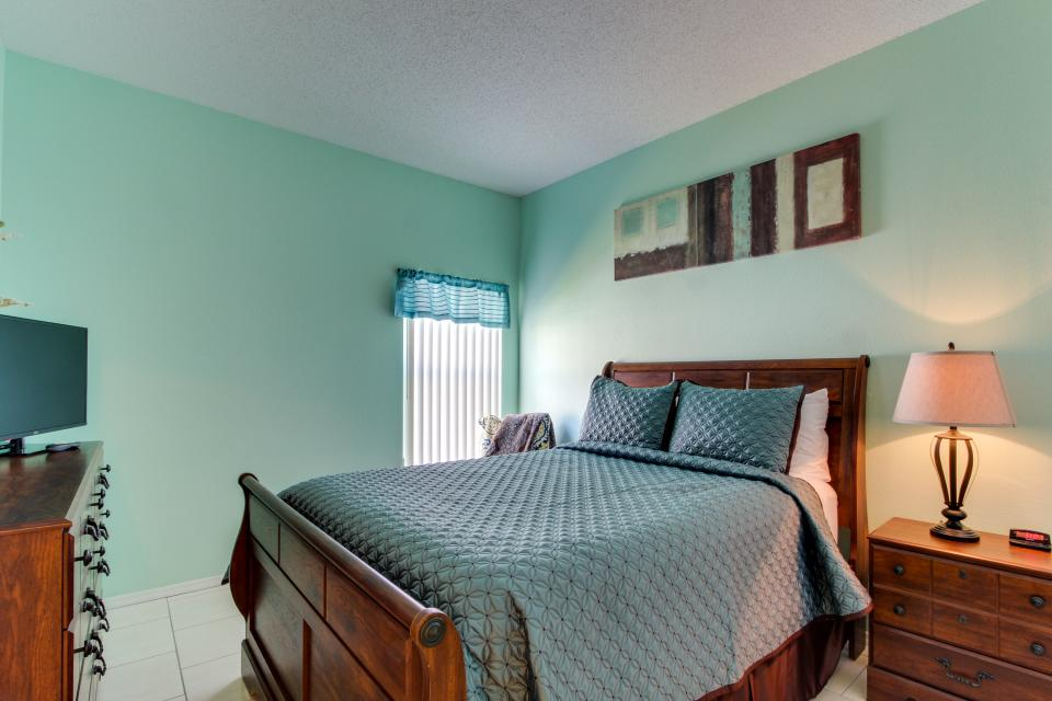 Sunshine's Happy Pool Home  - Davenport Vacation Rental - Photo 17