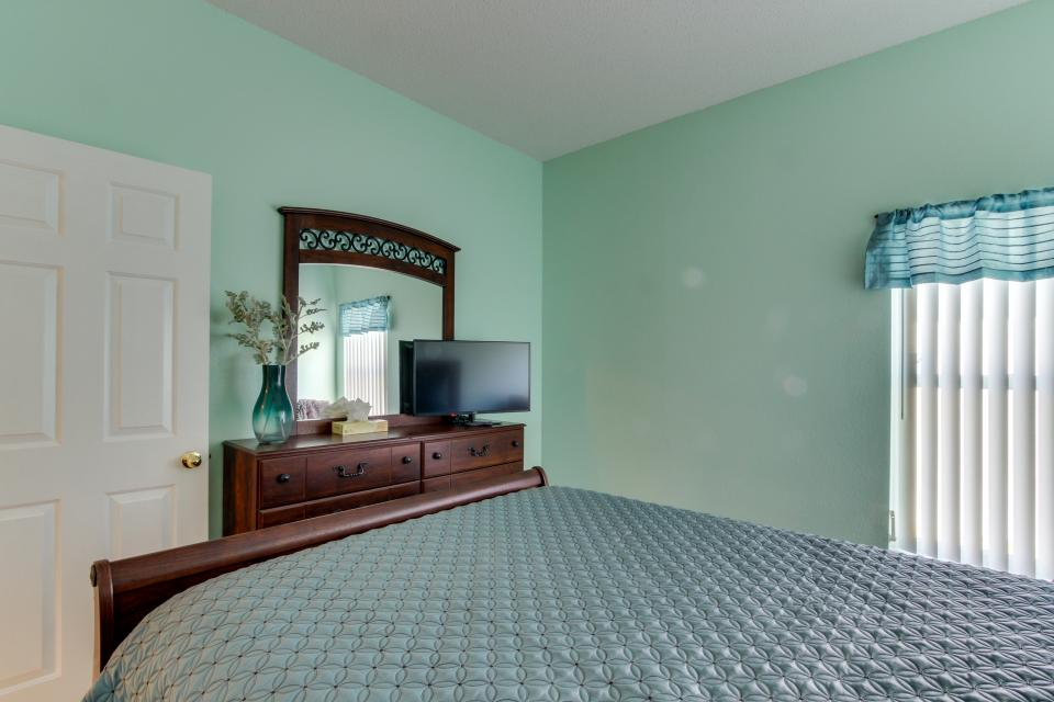 Sunshine's Happy Pool Home  - Davenport Vacation Rental - Photo 19