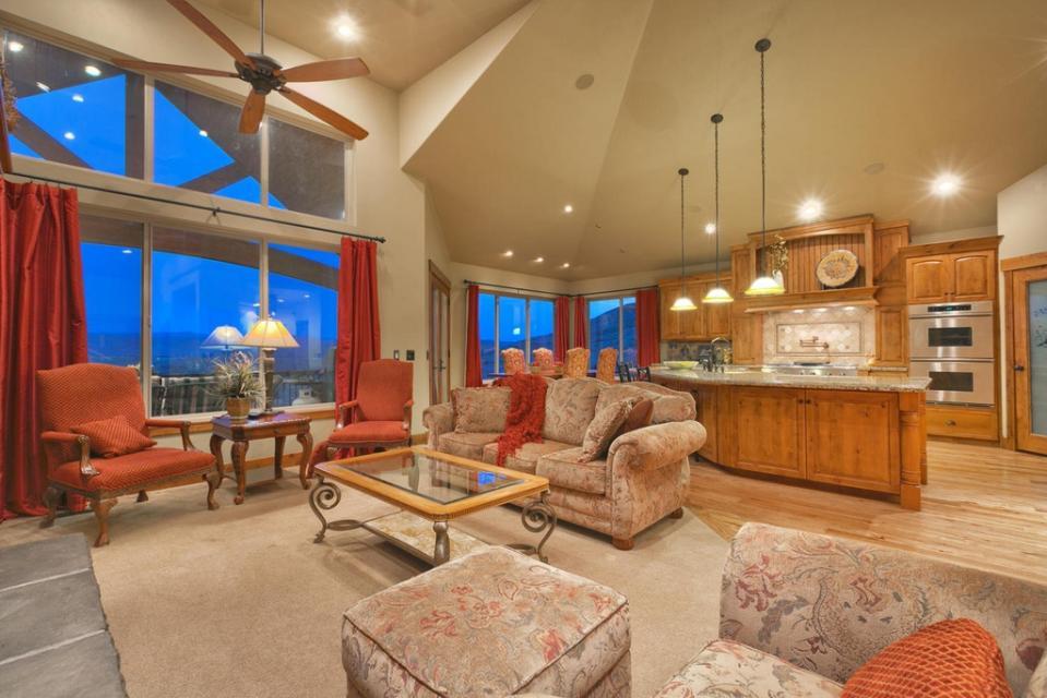 Lone Eagle Ranch - Kamas Vacation Rental - Photo 18