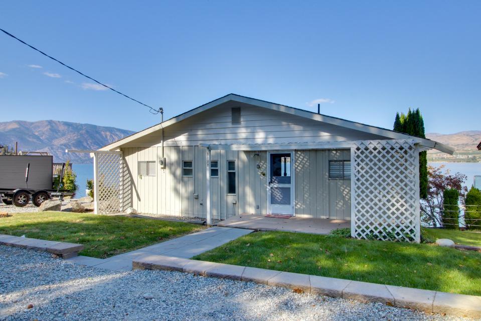 Sunnyside Lake House - Chelan Vacation Rental