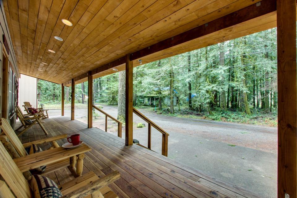 The Sharp Cabin - Rhododendron - Take a Virtual Tour