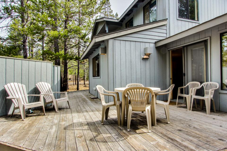 6 Flat Top - Sunriver Vacation Rental - Photo 1