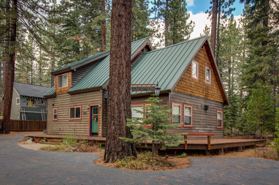Bristlecone beach retreat 4 bd vacation rental in tahoe for North lake tahoe cabin rentals