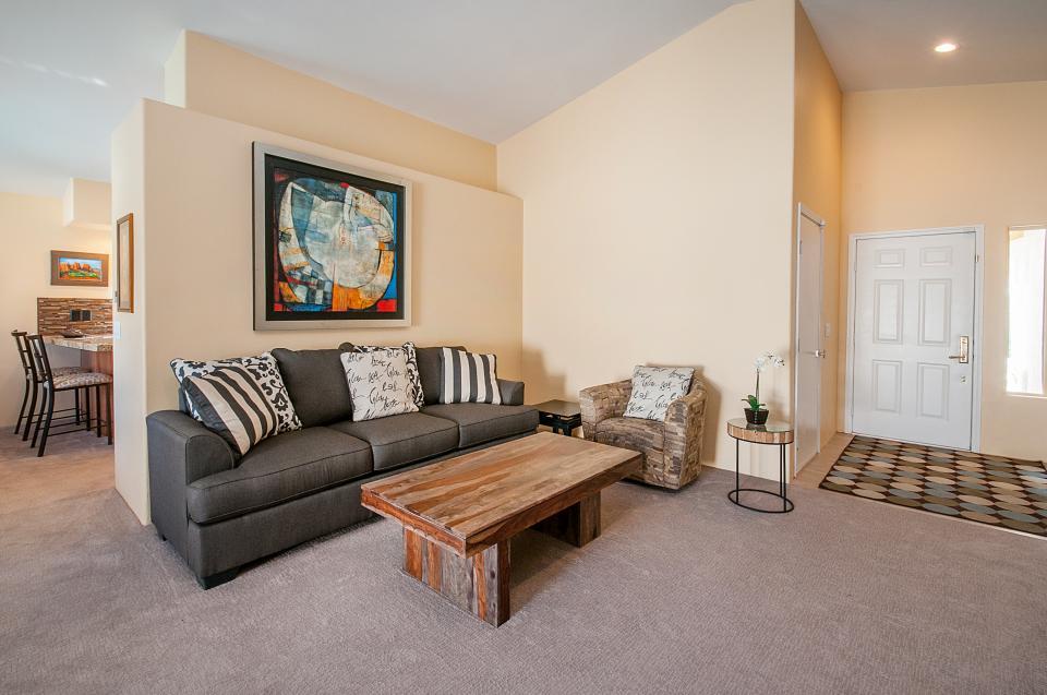 Remodeled Designer Home - La Quinta Vacation Rental - Photo 3