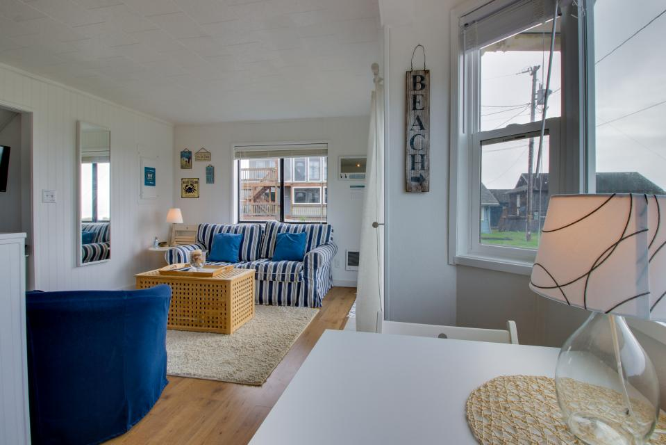 Second Tide - Oceanview Cottage - Rockaway Beach Vacation Rental - Photo 12