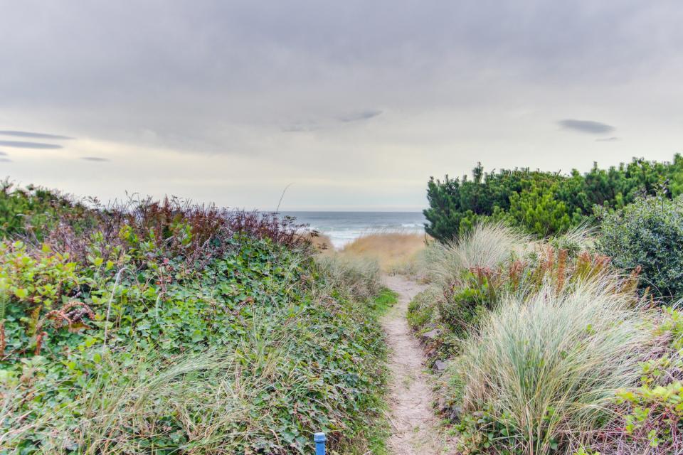 Second Tide - Oceanview Cottage - Rockaway Beach Vacation Rental - Photo 20