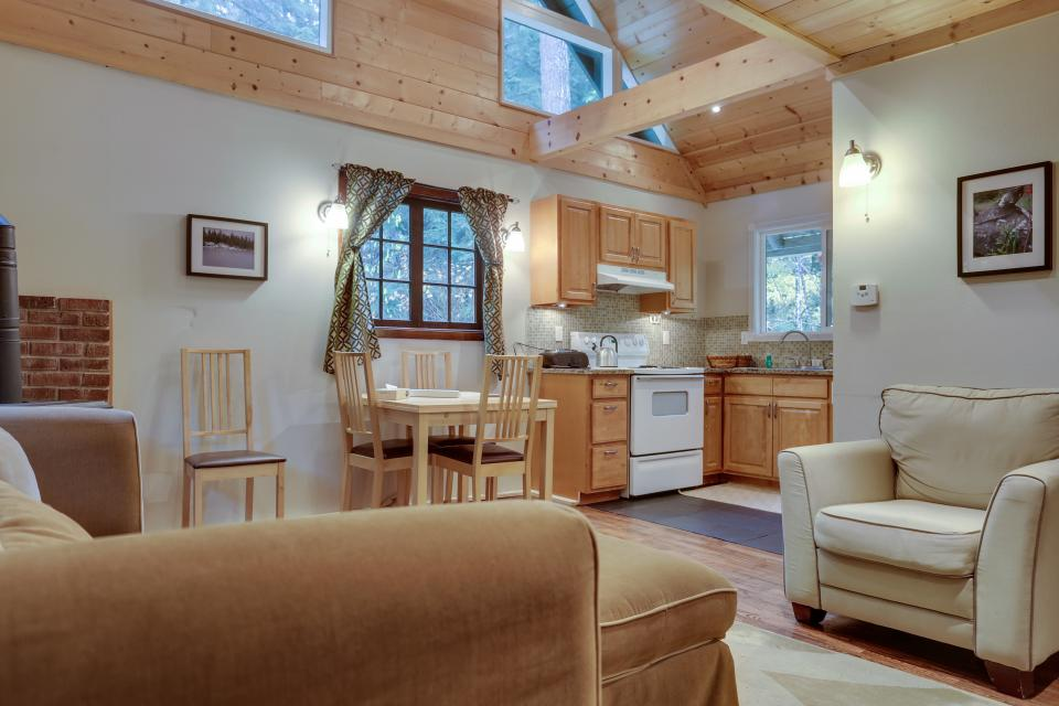 Mount Hood Cabin - Rhododendron Vacation Rental - Photo 10