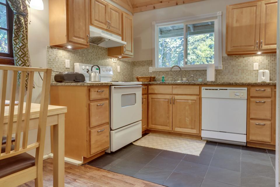 Mount Hood Cabin - Rhododendron Vacation Rental - Photo 12