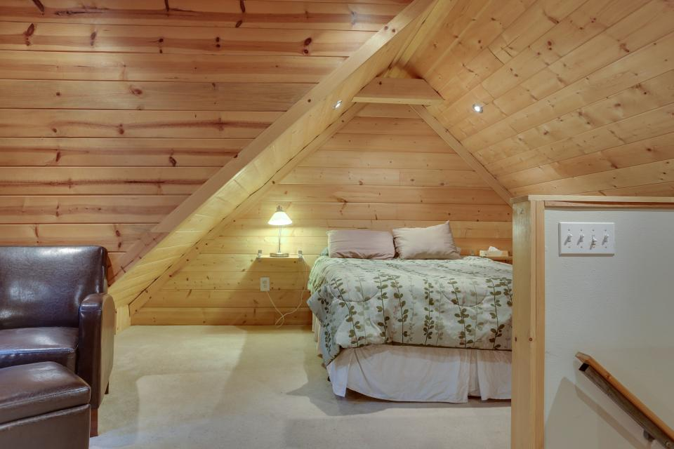 Mount Hood Cabin - Rhododendron Vacation Rental - Photo 23