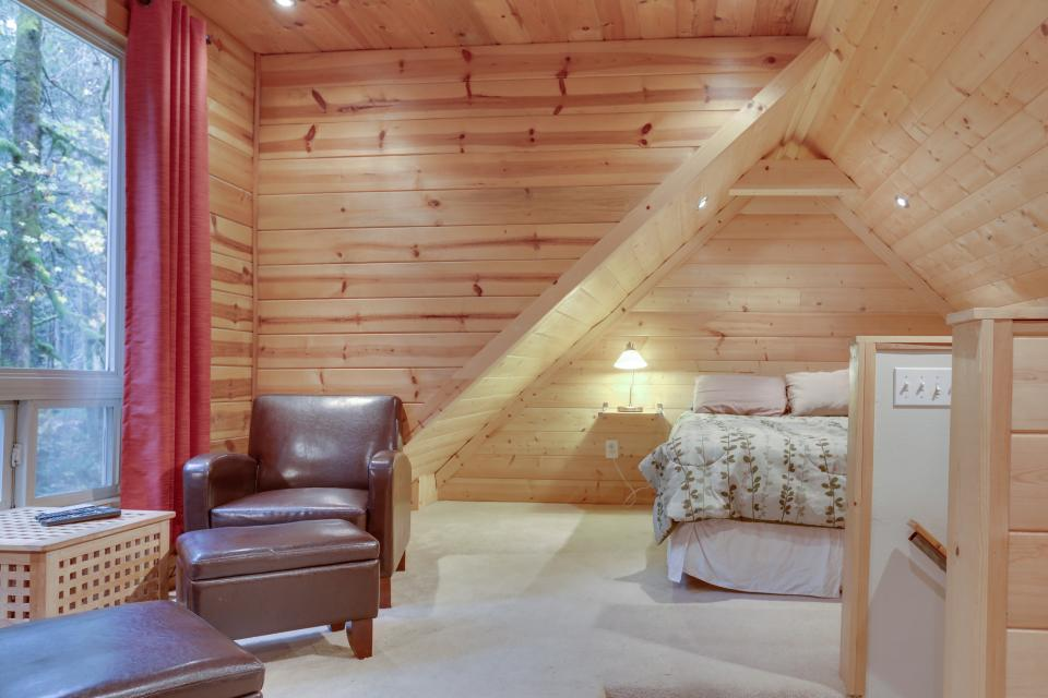 Mount Hood Cabin - Rhododendron Vacation Rental - Photo 20