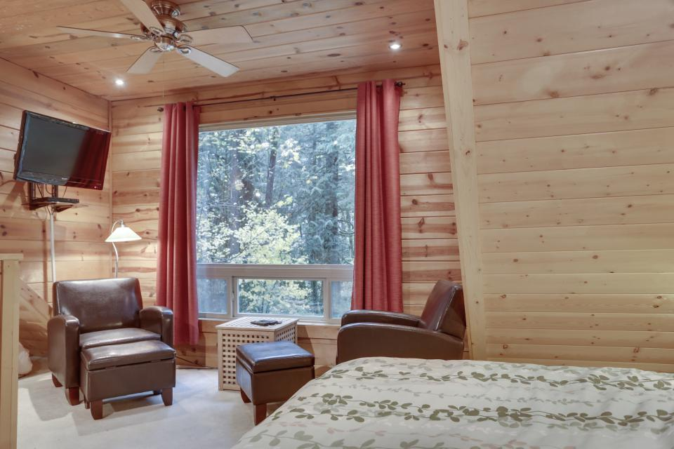 Mount Hood Cabin - Rhododendron Vacation Rental - Photo 21