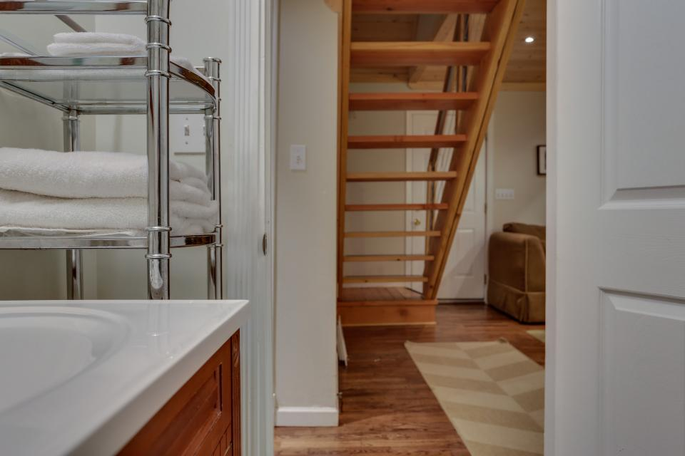 Mount Hood Cabin - Rhododendron Vacation Rental - Photo 15