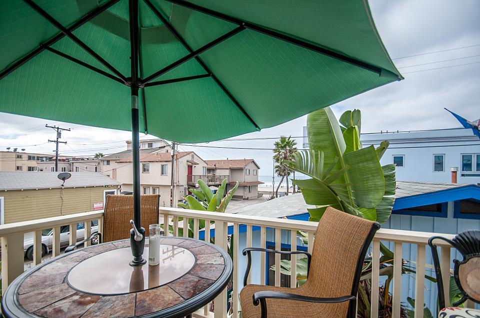 Mimi's and Nana's Beach House - San Diego Vacation Rental - Photo 2