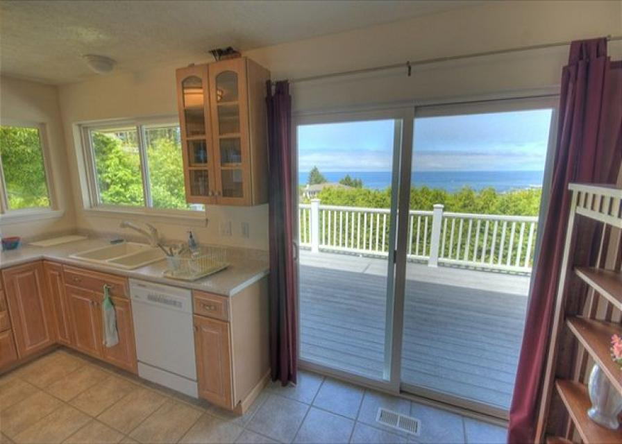 Secluded Oceans - Depoe Bay Vacation Rental - Photo 11