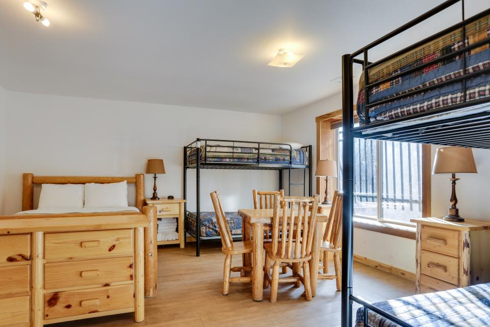 Big Bear Cabin and Little Bear Cabin - Government Camp Vacation Rental - Photo 31