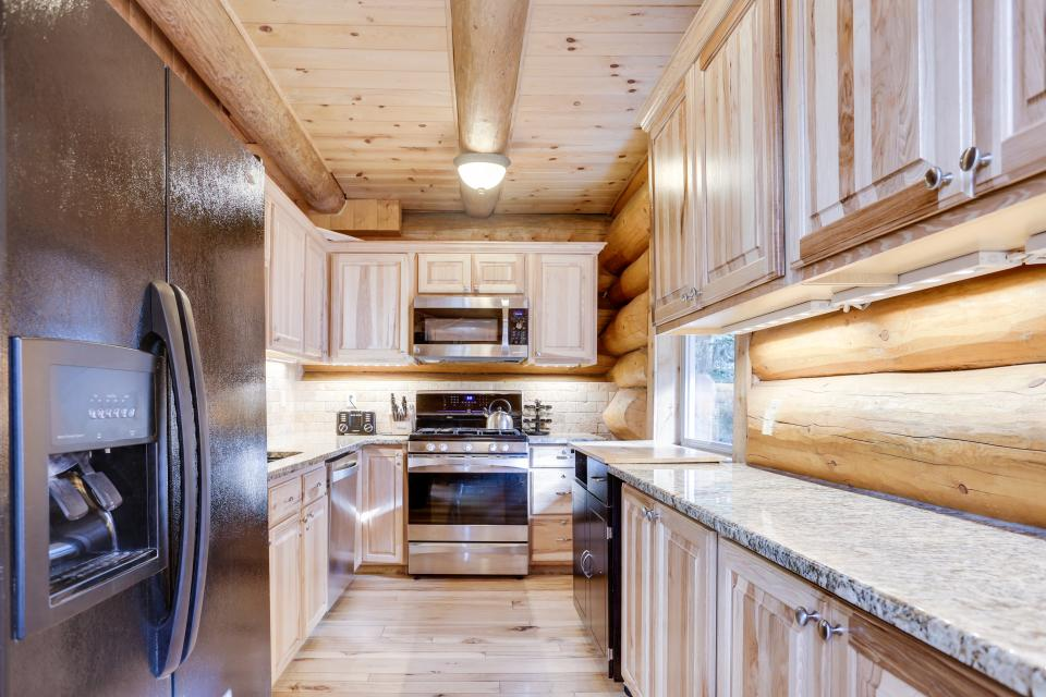 Big Bear Cabin and Little Bear Cabin - Government Camp Vacation Rental - Photo 26