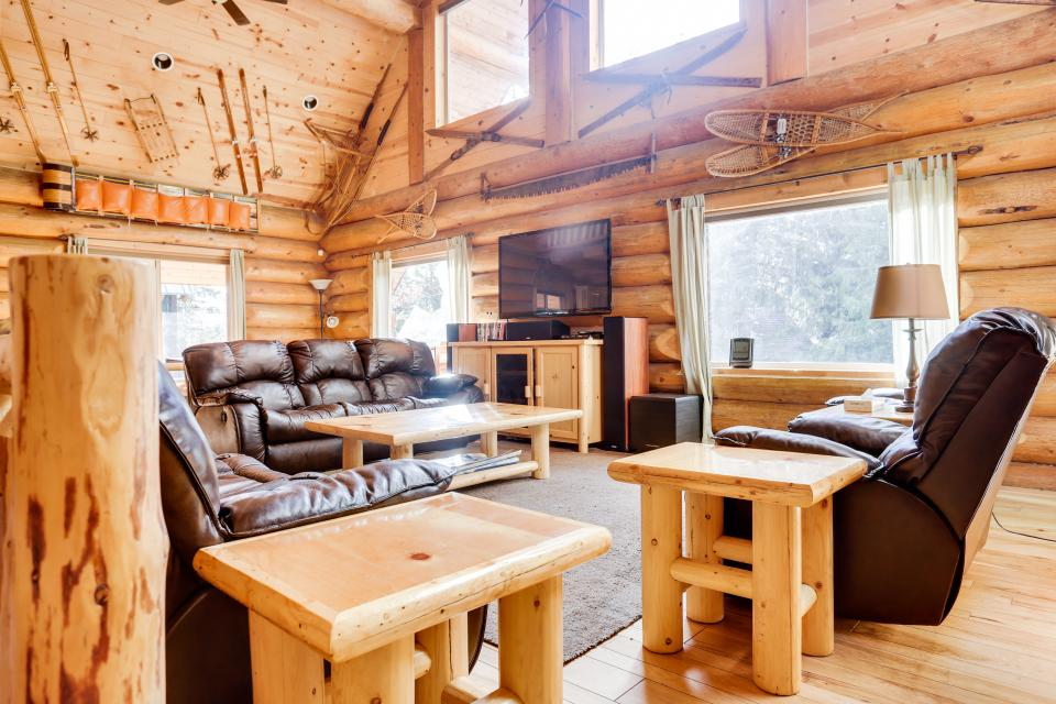 Big Bear Cabin and Little Bear Cabin - Government Camp Vacation Rental - Photo 25