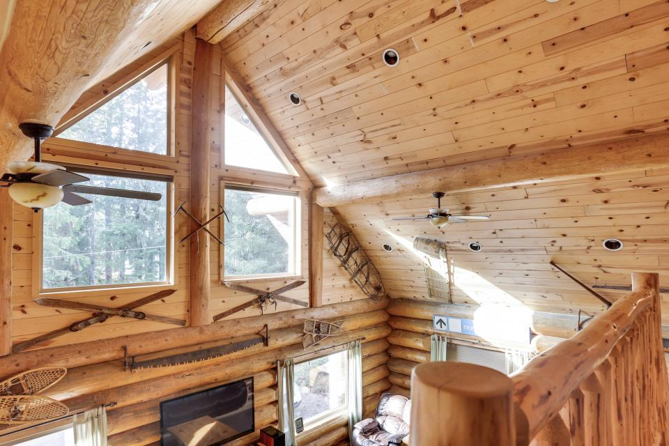 Big Bear Cabin and Little Bear Cabin - Government Camp Vacation Rental - Photo 27