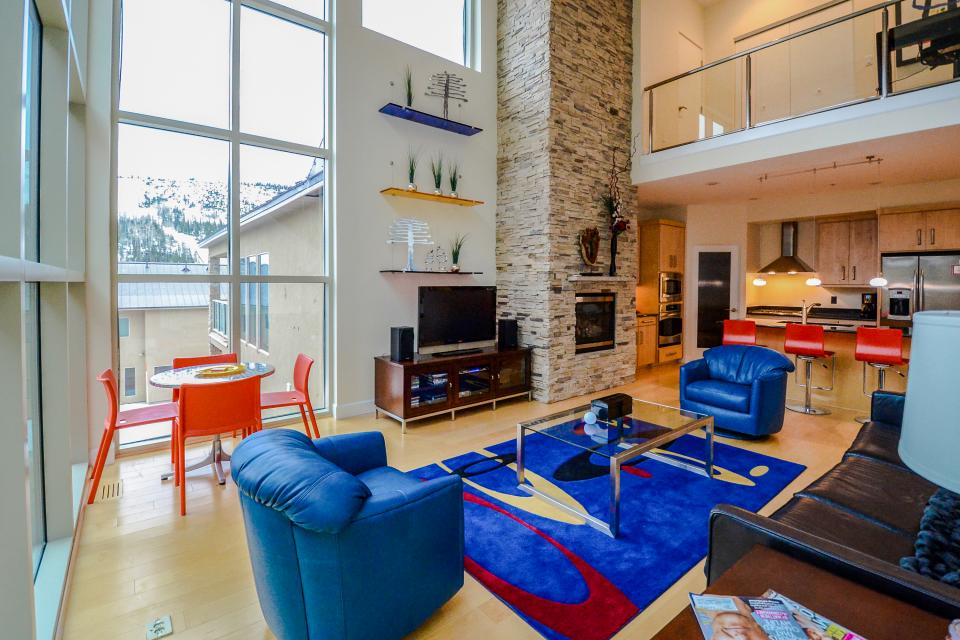 ... Contemporary Living At The Lofts W/ Hot Tub!   Brian Head   Take A Part 9