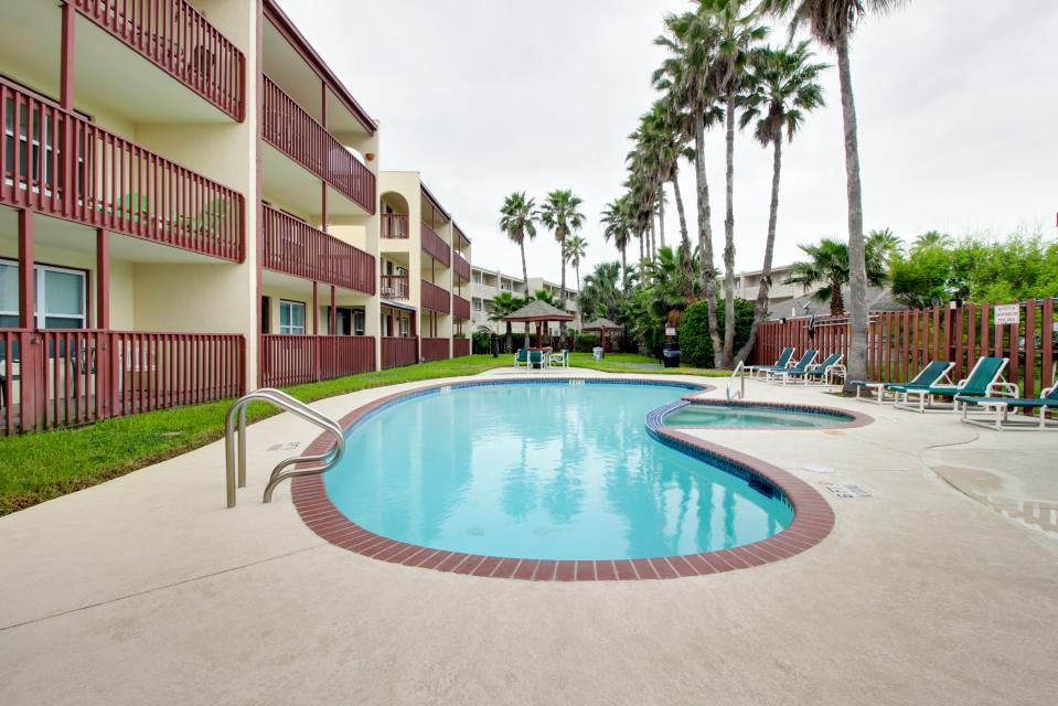 Surfside ii condominiums 302 2 bd vacation rental in for Cabin rentals south padre island tx