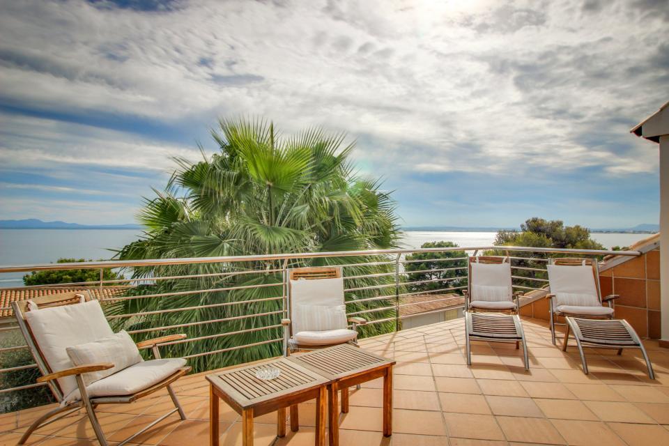 Villa Alcanada - Alcudia Vacation Rental - Photo 2