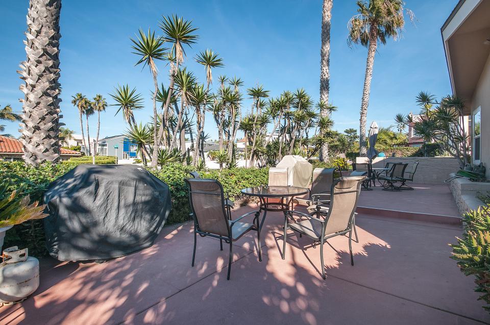 Dolphin Beach Walk - San Diego Vacation Rental - Photo 19
