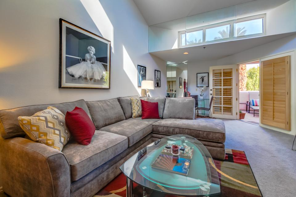 Deauville Delight - Palm Springs - Take a Virtual Tour
