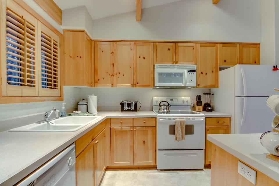 4 Jay Lane - Sunriver Vacation Rental - Photo 12