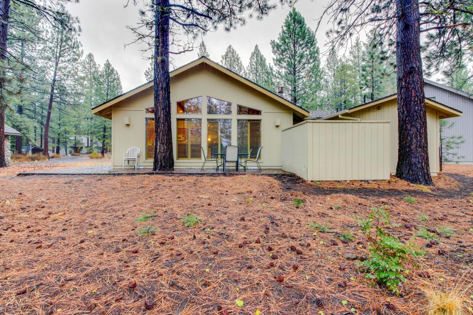 4 Jay Lane - Sunriver Vacation Rental - Photo 1