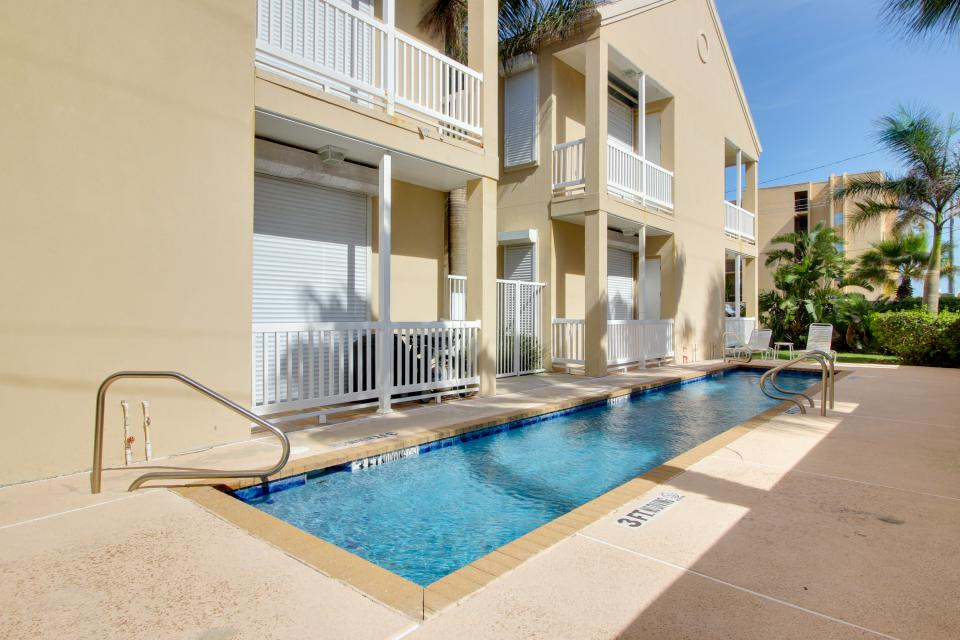 Soleil condominiums redfin rendezvous 6 2 bd for Cabin rentals south padre island tx