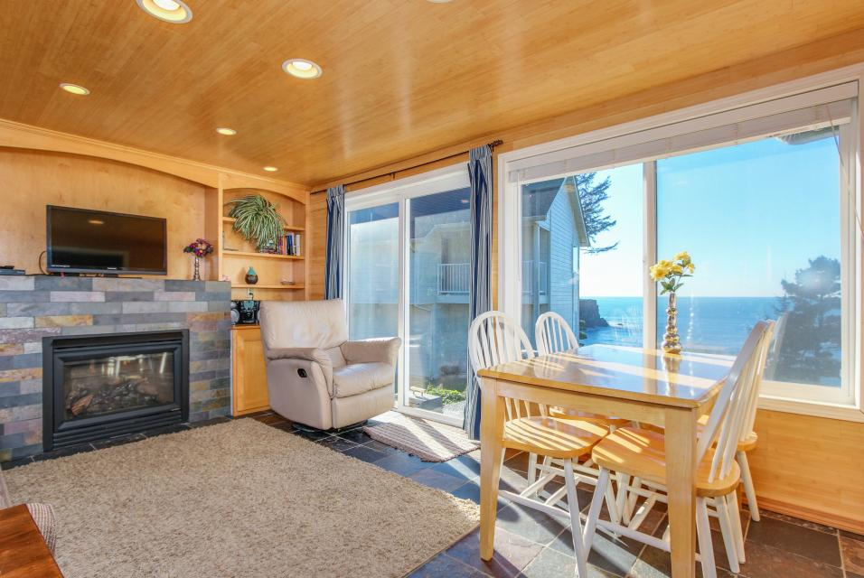 Pirate Cove Cottage 1 - Depoe Bay - Take a Virtual Tour