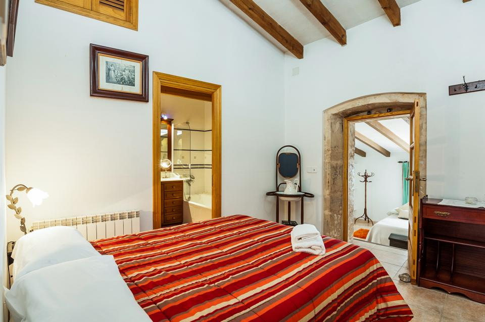 Ses Muralles Boutique House - Alcudia Vacation Rental - Photo 13